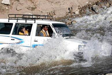 Manali To Leh Taxi Service
